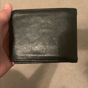 Used Guess wallet